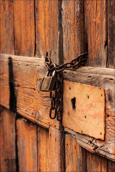 Closed Toirano Porta Lucchetto