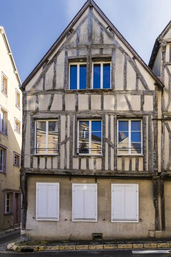 Chartres France Apartment Architecture Building Building Exterior Built Structure City Day Façade History In A Row Low Angle View No People Old Old Buildings Outdoors Residential District Row House The Past Travel Destination Window