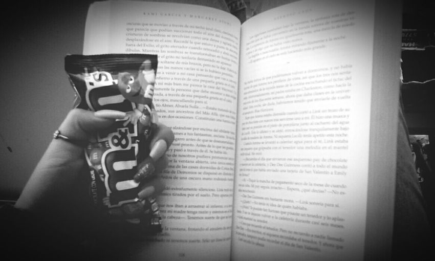 The Best combination Relaxing Chocolat Books Books ♥ Nigth 🌜⭐️ Myhome Chocolate Amoralarte First Eyeem Photo