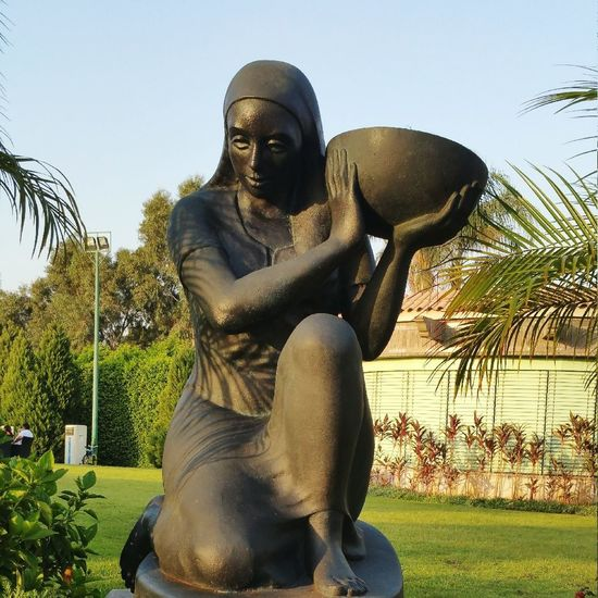 Statue Sculpture Day Outdoors People Woman Woman Power Hardwork Hardworker Hardworkerwoman EyeEmNewHere Oriental Egyptian Woman