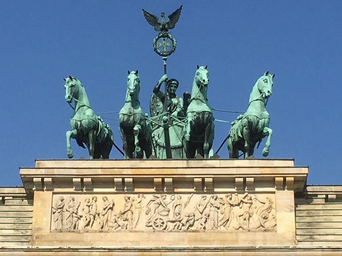 Quadriga Brandemburger Tor Quadriga Representation Sculpture Art And Craft Architecture Human Representation Statue Blue