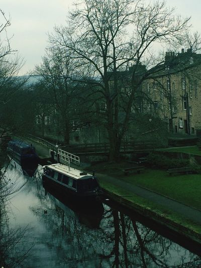 Water Reflections Water Canal Boats Skipton Yorkshire England United Kingdom Strolling Calm Adapted To The City