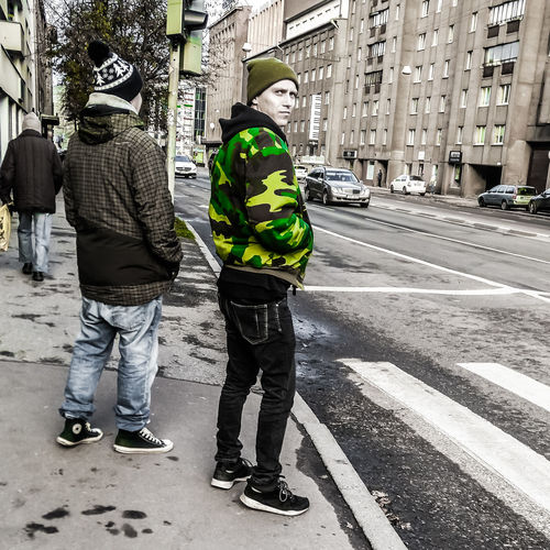 Thursday's Camogreen City Life Two People Men Real People Only Men Togetherness Outdoors Candid Photography Oh So Creative 4modelsdotinfo