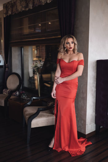 Simi The Week On EyeEm Fujifilm_xseries Fujifilm Xpro2 Slovakia🇸🇰 Only Women Dress Evening Gown One Woman Only Adults Only Red Formalwear Elégance Adult One Person Beautiful Woman Portrait Looking At Camera Beautiful People Full Length
