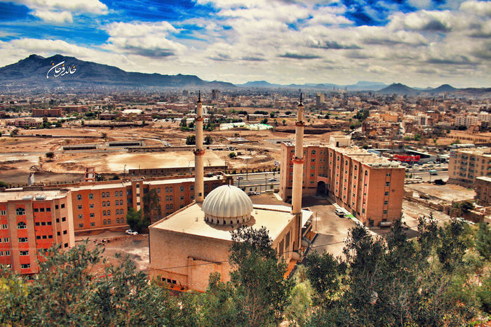Sana'a Yemen Relaxing That's Me Check This Out Check This Out Fotography Cheese! Hello World Hanging Out Hi! That's Me First Eyeem Photo اليمن BlackMagic Poor  Hanging Out Cheese! Enjoying Life Taking Photos Taking Photos Smile Enjoying Life Hello World صنعاء