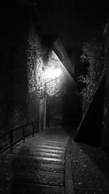 Dark Darkness Darkness And Light Help Lonely Midnight Night Scared Scary Scary Places Learn & Shoot: After Dark Dark Place Dark Places Abandoned Places Abandoned Alley Alleyscapes Cities At Night