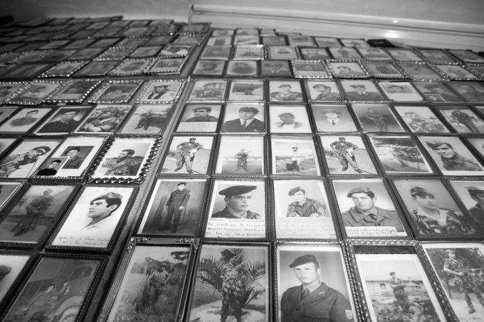 Photographs of Portuguese soldiers who fought in the Colonial War in Africa. Promises from your family members. Photos Portuguese Colonial War Promise Soldiers Indoors  One Person Portuguese Soldiers Promises  War