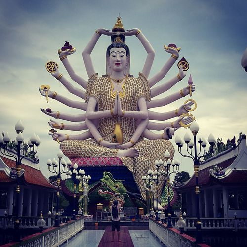 Budism Wat Plai Laem Thailand Politics And Government City Royalty Statue Sculpture Religion Crown King - Royal Person Sky Architecture