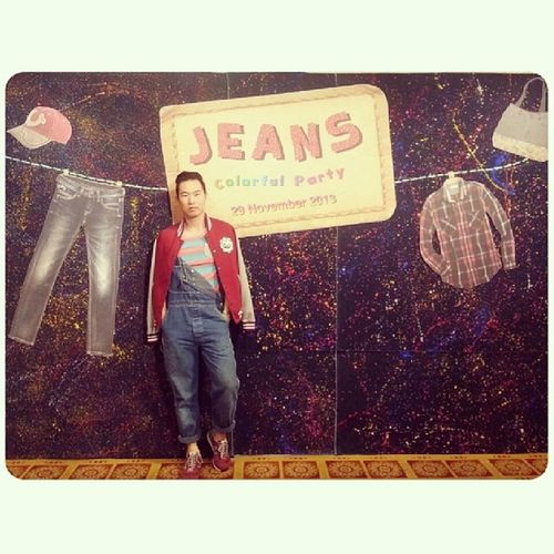 """Jeans Colorful Party"" Staff New Year's Party. It's Very PRE-New Year & I'm in Jeans จัดเร็วมาก ใส่เอี๊ยม Accessoriesไม่มีเลย"