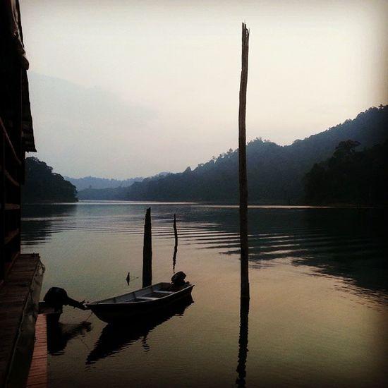 Senja berlabuh Lembahbelum Belum Boathouse Perak Malaysia Scenery Malaysia Truly Asia Lake View Lake