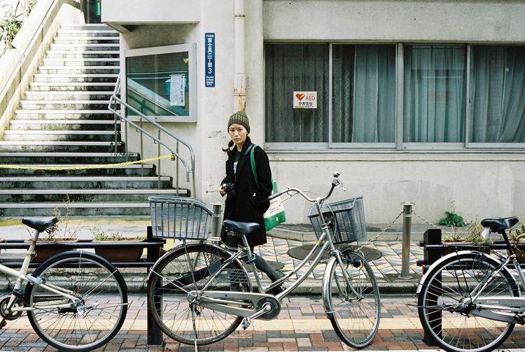 Contax G2 Kodak Portra 35mm Film Film Tokyo Streetphotography Bicycles People Watching