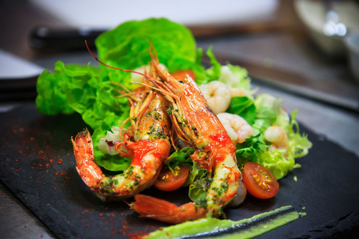 Меню креветки блюдо высокаякухня Food Food And Drink Healthy Eating Seafood No People Ready-to-eat Indoors  Close-up Freshness First Eyeem Photo