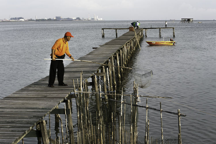 Boat Fisherman Fisherman Life Scenic Seascape Sky Watervillage Wooden Jetty