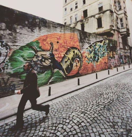 Sokak'ta Sanat Var... Graffiti Art Streetart Wall Urban Graff UrbanART Cute Graffitiporn Layawayavailable Smartphone Wallart Handsfree Graffitiart Bluetooth Colorful Mural VSCO Allcolors Illustration Hoverboard Artist Speakers HipHop Blackandwhite girl photography 8inchewheels street love