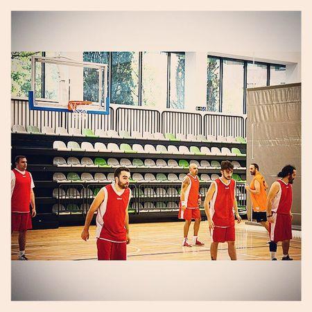Tantas participaciones como victorias!!! @lossantosbasket Basket Vallehermoso Gofitness Ligamunicipal alpha6000 @aumpf @xcast @tomasmcnulty @martin_bello @toniemcee @andyvelmen sundayagain basketball winning sports together ilovethisgame