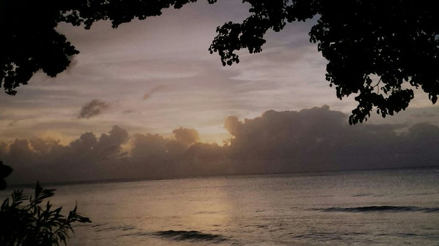 Westcoastbeauty. Taking Photos Relaxing Traveling Relaxing Clouds And Sky Life Is A Beach Me, My Camera And I EyeEm Never Will Give Me A Prize For This Shot, But It's Pretty Cool For Me! ....Barbados Hello World.... photofromphoto. holidays