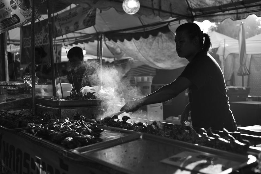 Food Only Men Chef Concession Stand Street Food Indoors  Working Food And Drink Men Commercial Kitchen People Business Finance And Industry Real People Occupation Adults Only Adult Night Freshness One Man Only Food Service Occupation