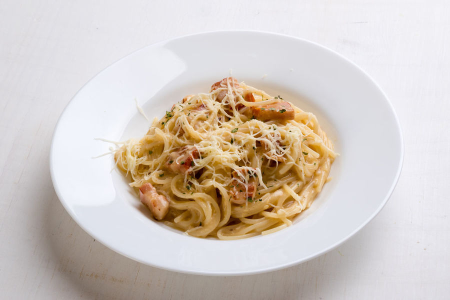 fresh tasty italian spaghetti carbonara with ham Bacon Carbonara Check This Out Cheese! Closeup Cooking Cusine Dinner Dish Food Fresh Gourmet Ham Homemade Italian Italy Lunch Meal Meat Mediterranean  Noodles Parmesan Pasta Spaghetti Traditional