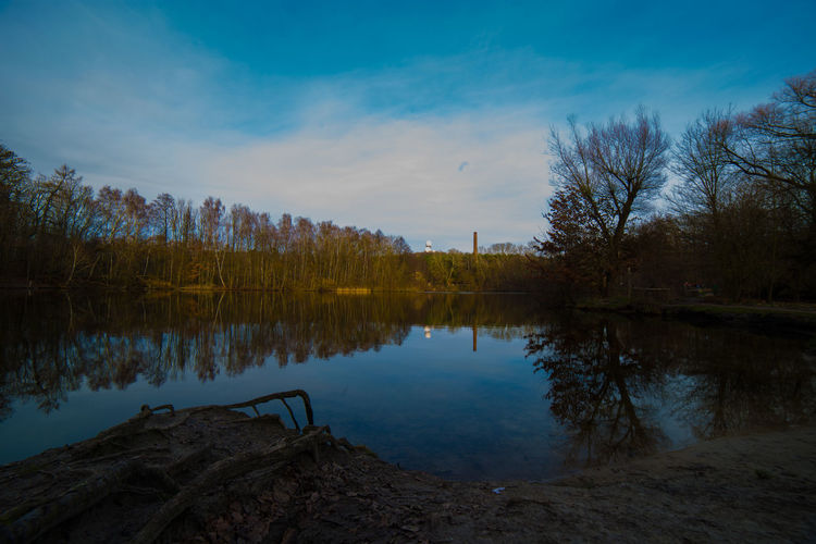 #Day #nature #Tree #sky #photography #lake #wannsee #berlin #happy #outdoors #moment Calm Cold Lake Lakeshore Majestic Outdoors Reflection Remote Rippled River Riverbank Scenics Standing Water Tranquil Scene Tranquility Tree Water Waterfront Winter