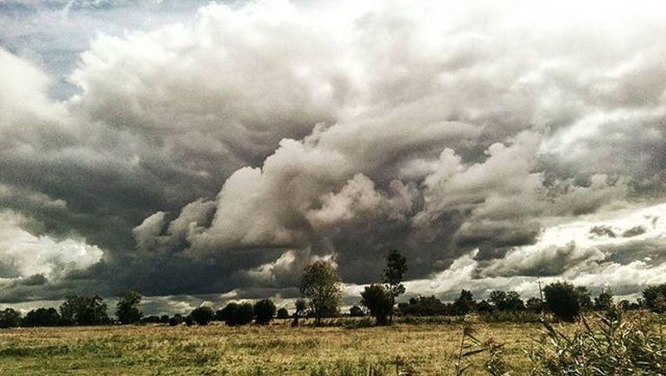Clouds Match_colour Best_skyshots Awphoto Lubiepolske Super_polska Super_planeta Hdr_pics Ig_poland Tv_hdr Impressionism Skyporn Greatshotz Cloudporn Ayad_photography Ig_photography Likeforlike Like4like Rzepin
