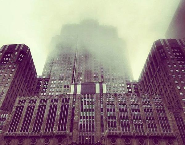 Civic Opera House (Foggy) 🌁☁🌫 Looks like building from Arkham 🙂 Chicago Illinois Civic Opéra House Building Landmark Cloudy Foggy Photography View Beautiful Wacker Drive Very Old Downtown Amazing Instabuilding