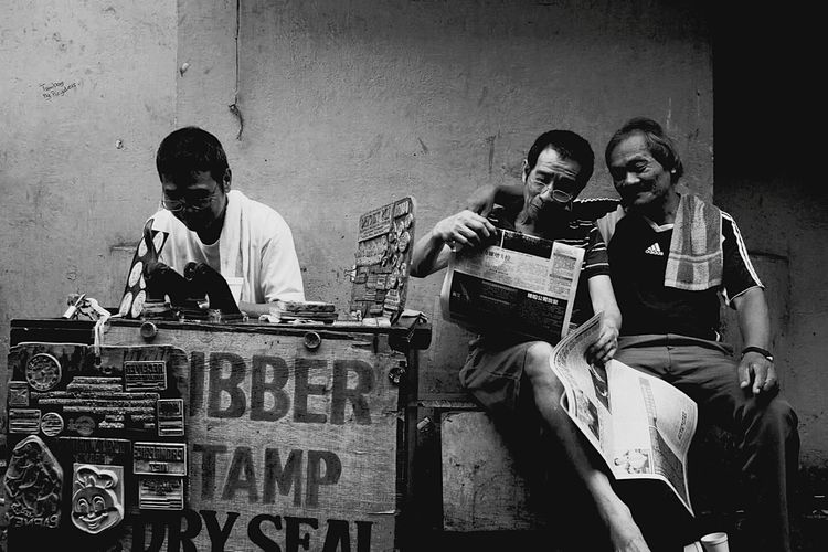 Capture The Moment quiapo manila philippines Blackandwhite