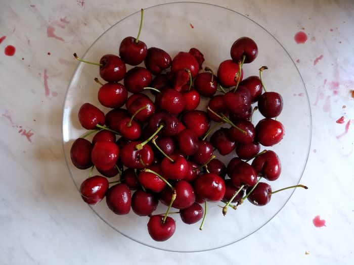 Cherries Cherry Fruit Red High Angle View Close-up Food And Drink Vegan Vegetarian Food Shining Food Styling The Still Life Photographer - 2018 EyeEm Awards 2018 In One Photograph My Best Photo Springtime Decadence