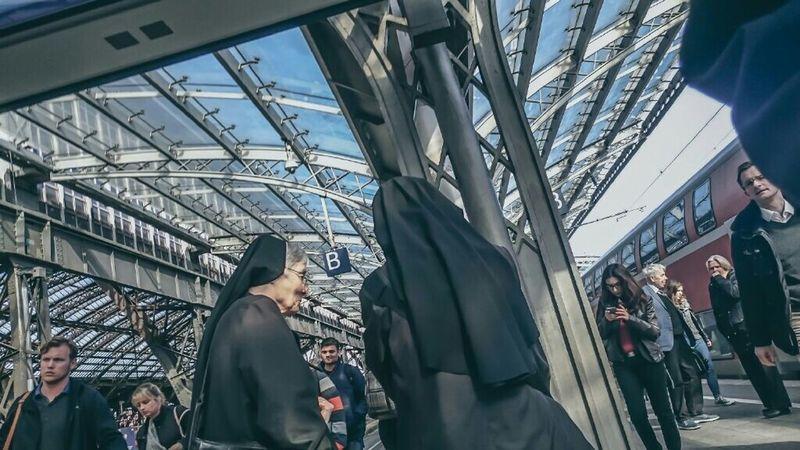 Cologne Everydaygermany Everybodystreet The Moment - 2015 EyeEm Awards The Street Photographer - 2015 EyeEm Awards The Photojournalist - 2015 EyeEm Awards Streetphotography The Traveler - 2015 EyeEm Awards Hauptbahnhof Koeln