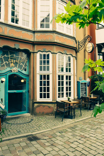 A colorful cafe in the Schnoor region in Bremen, Germany. Architecture Bremen Building Cafe Exterior Façade Germany Schnoor Street Travel Urban