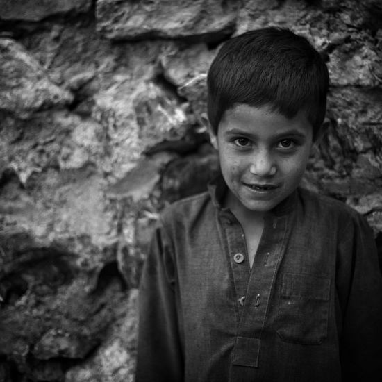 Chasing smiles across the mountains. Bnw_collection Blackandwhite Photography Portraits Canon Faces Of EyeEm Thehumancondition Thehungergames Theroadsidelife Streetphotography Streetwise