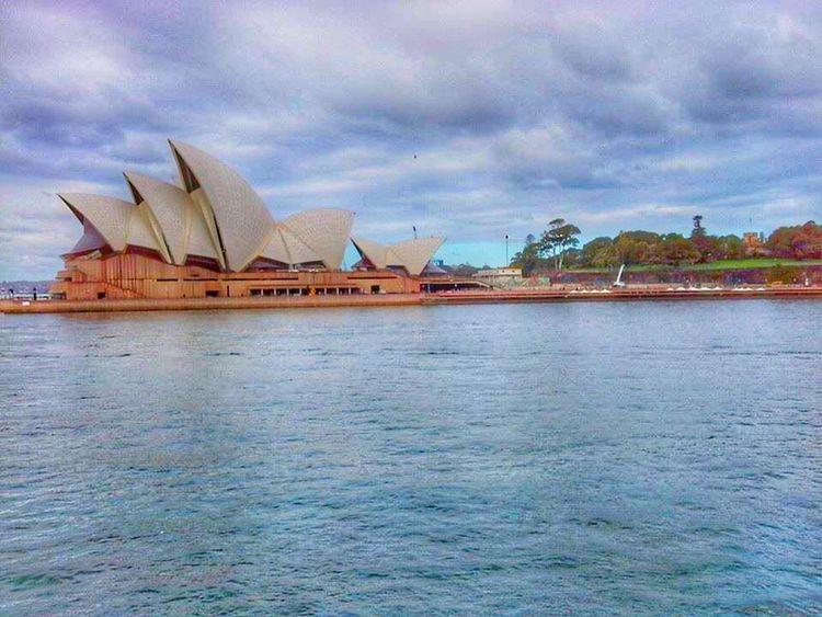 Sydney Opera House VIVID Sydney Cityscapes Phoneography Hobbyist Snapseed HDR Novicephotograph Cruising Sydney, Australia Traveller Wanderlust
