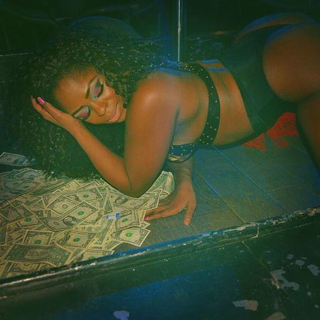 Shot by @uhighskye Nightlife Club TurnUp ONFLEEK Stacks  Bitchbetterhavemymoney Follow Followme Followback Followtrain Smile TPA Money Grind Sexy