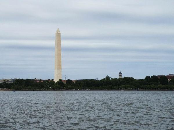 Washington Monument Washington Monument Urban Skyline City Nature Landscape No People Water Lake Architecture Manmade Scenics Breathtaking The Architect - 2017 EyeEm Awards