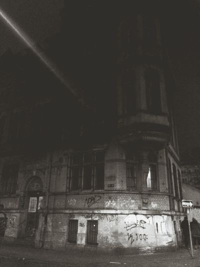 Leipzig, abandoned building Leipzig Old Buildings Old House Abandoned Buildings Scary Night Scary House From My Point Of View Smartphone Photography I LOVE PHOTOGRAPHY Night Photography Night Shot