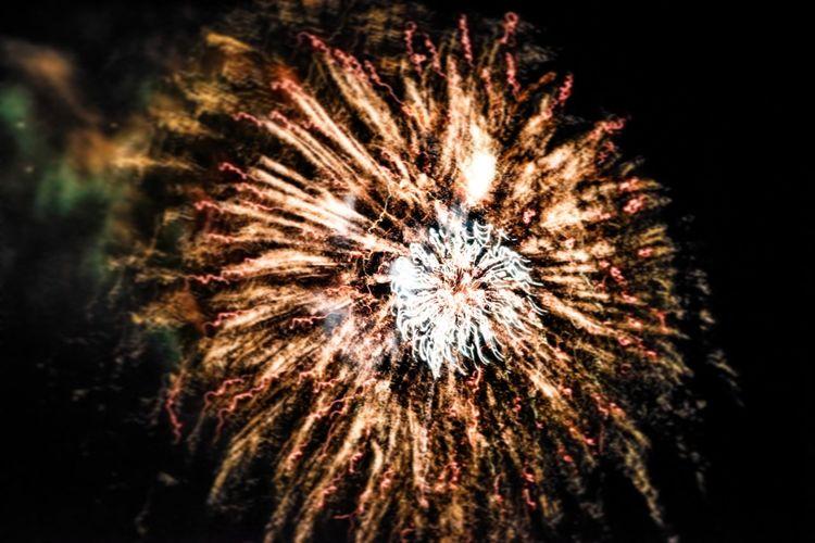 Fireworks (without a tripod) or a nebula? 😂 Firework Display Celebration Exploding Long Exposure Night Multi Colored Outdoors Motion Sky Firework Nebula