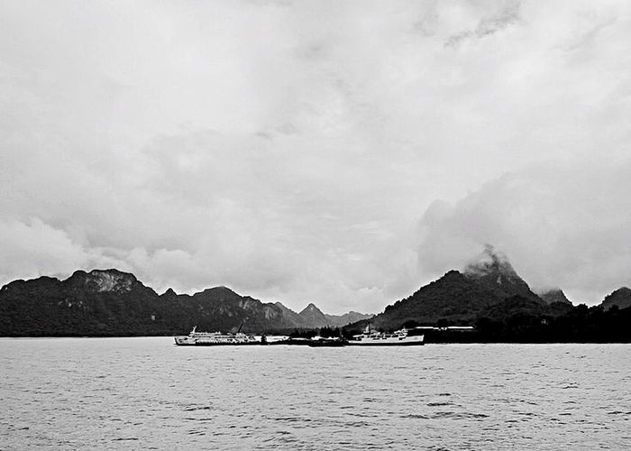 Comeback home Monochrome Photography Monochrome Blackandwhite Photography Blackandwhite BW_photography Bw Bw_collection HNY Samui Island NewYear New Comebackhome Mountain Scenics Nature Sea Beauty In Nature No People Tranquility Outdoors Rock - Object Sky Travel Destinations Day Mountain Range Water Tranquil Scene