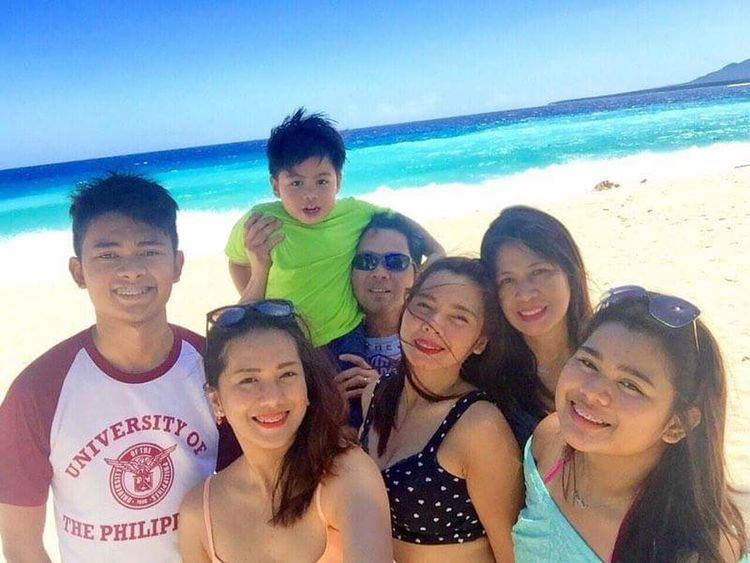 Azure Sky Beach Bonding Time Cheerful Enjoyment Family Friendship Fun Hanging Out Happy Leisure Activity Men Moments Outdoors People Portrait Sea Sea And Sky Shoreline Smiling Summer Teenage Girls Togetherness Vacation Vacations