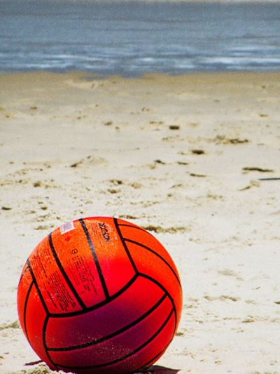 Beach Sand Sport Ball Sea Nature Outdoors No People Day Vacation Time Beachvolley Rio De Janeiro Lifestyle Enjoyment Freedom Vacations Uniqueness Happiness Summer Playing Lifestyles Lieblingsteil Close-up Horizon Over Water Yolo