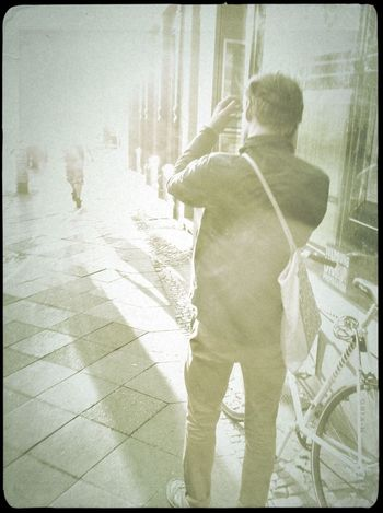 Streetphotography Into The Light Streetphoto_bw Vintage Fx