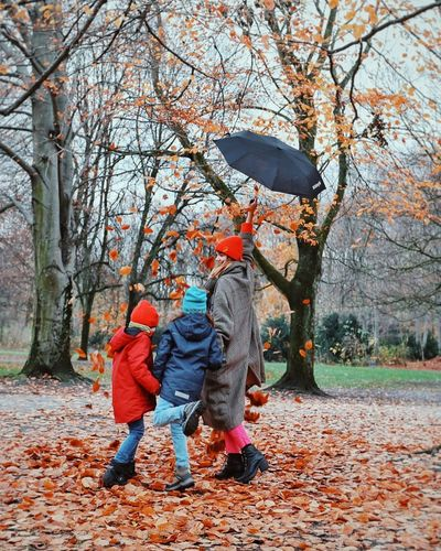 Be. Ready. Full Length Child Boys Childhood Tree Children Only Males  Park - Man Made Space Togetherness People Outdoors Day Real People Adult Nature EyeEmBestPics Autumn Capture The Moment