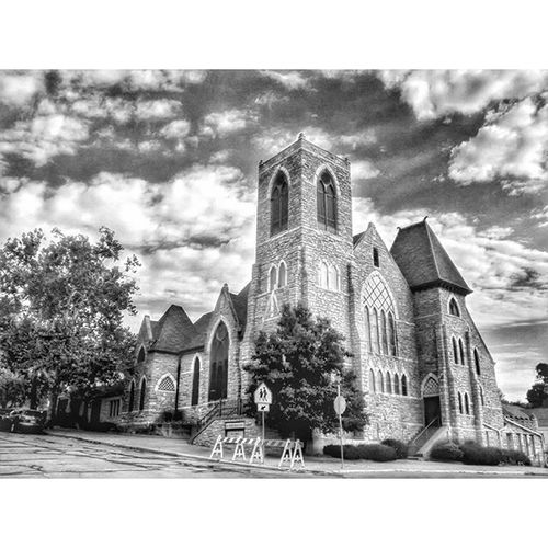 Same church on 5th st in town.... Ks_pride Atchisonchurches Wow_america_bnw World_bnw Trb_bnw Bnw_nature Bnw_life Bnw Bnw_captures Bnw_society Bnw_demand Blackandwhitephotography Blackandwhite Bnwkansas Kansasphotos Kansasphotographer Fuckyeah