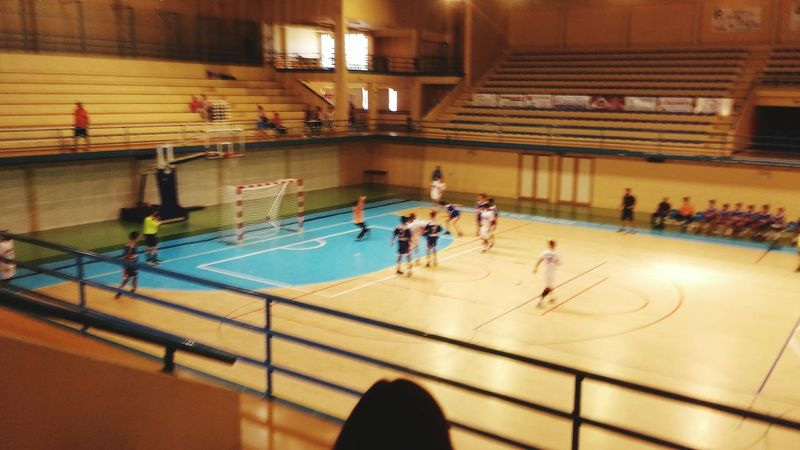 Sport Playing Indoors  Team Sport Match - Sport Men Real People Lifestyles Sports Team Competition Goals 💪 Handball