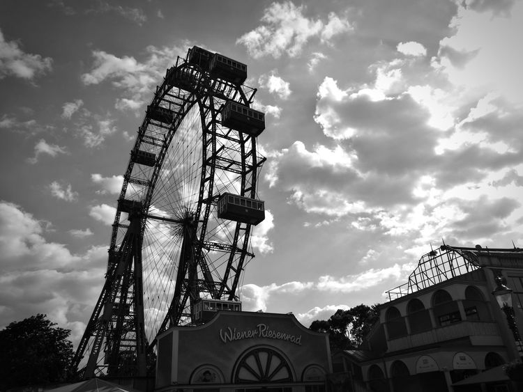 Cloud - Sky Amusement Park Arts Culture And Entertainment Ferris Wheel Outdoors No People Sky Vienna Prater/Vienna Praterstern Black And White Blackandwhite HuaweiP9 Huawei P9 Leica