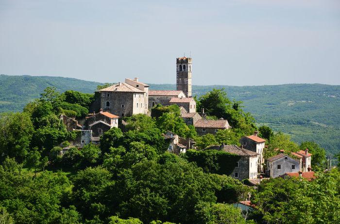 Croatia Green Istria Medieval Medievalvillage Panorama UphillVillage Zavrsje