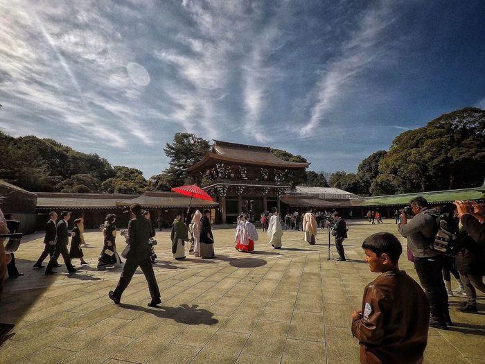 Wedding Japan Japanese Wedding Meiji-Jingu Meiji Shrine Taking Photos Real People EyeEm Best Shots Eye4photography