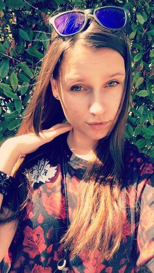 Big Eyes Happy Selfportrait русскаямодель