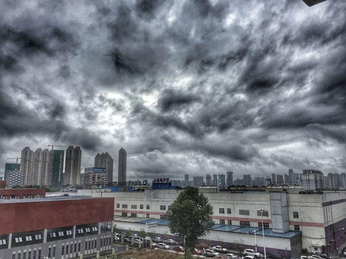 雨 Hello World
