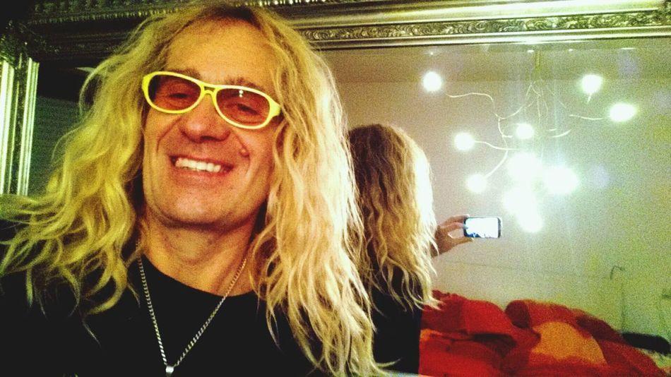 Chillout nach der Sauna Faces Of EyeEm Lachen Brille Spiegel