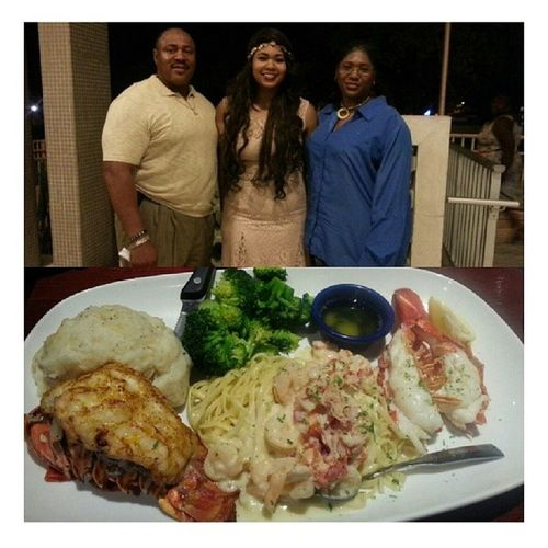 Got an academic excellence award and my parents treated me out for it Redlobster Drmacjwilliamsaward