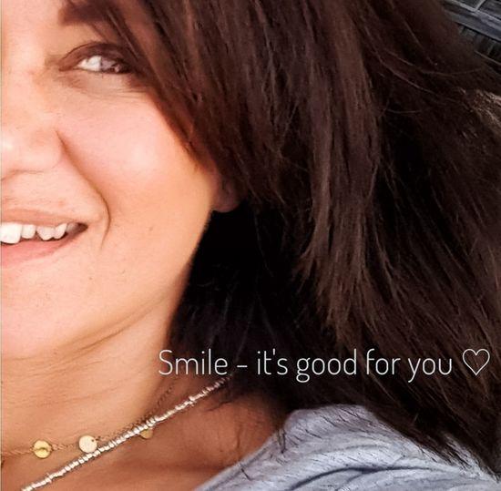 Smile! Woman Woman Of EyeEm EyeEm EyeEmNewHere EyeEm Best Shots View Smile Smile It Looks Good On You  Beautiful Woman Portrait Human Face Studio Shot Close-up